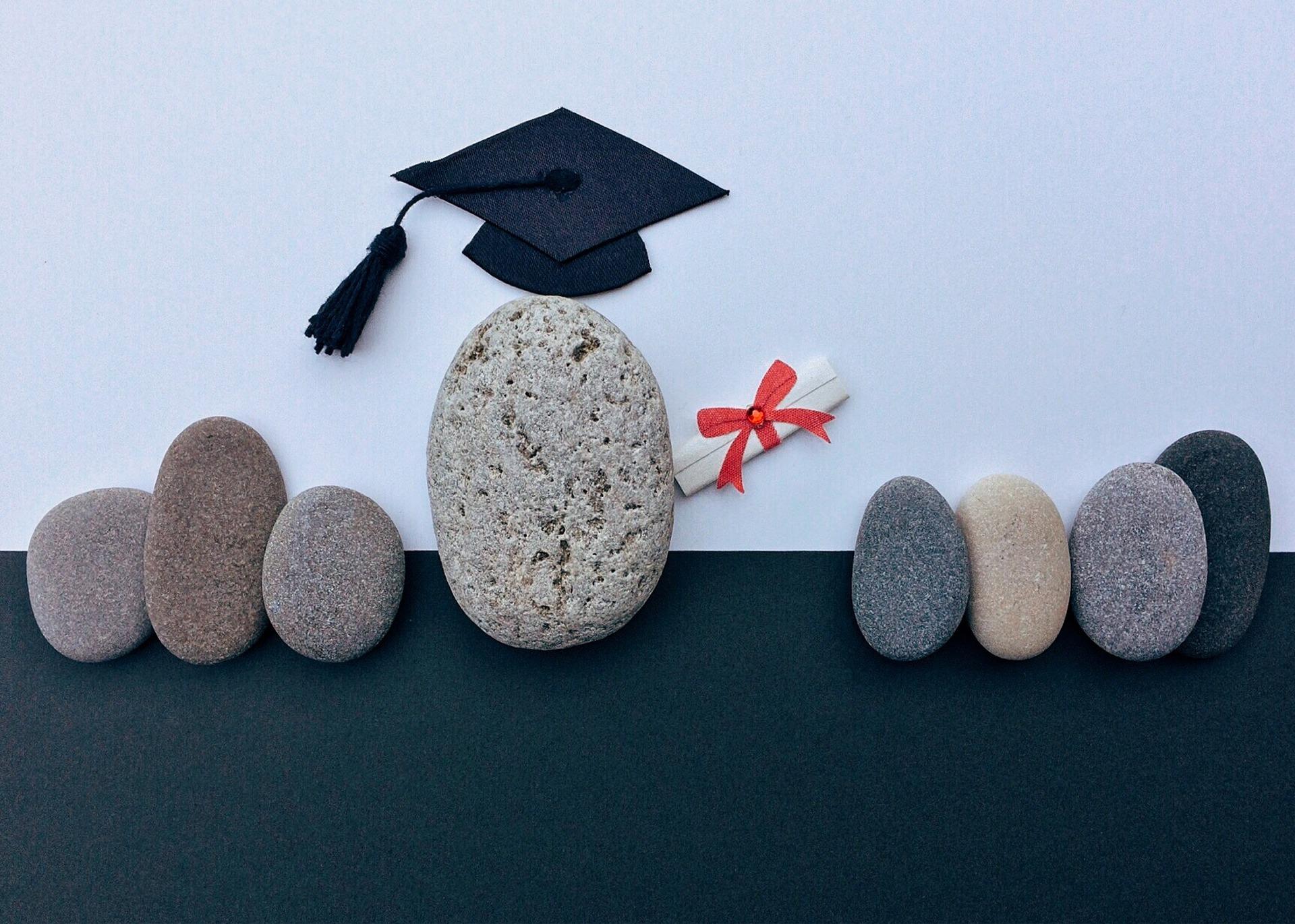 graduation 1449488 1920 - Certyfikat z niemieckiego to tylko papier